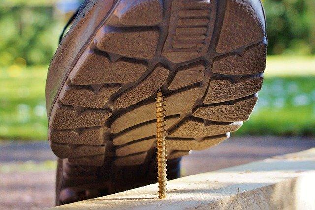 Odolná pracovná obuv