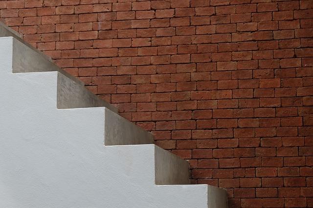 Schody, stena